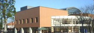 大学会館外観